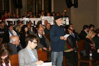 Les queixes pel tancament del CAP de Carreras Candi centren l'atenció de l'Audiència Pública del Districte