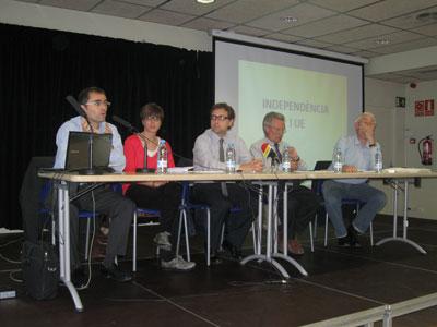 Òmnium Cultural debat sobre Catalunya i la Unió Europea a les Cotxeres de Sants